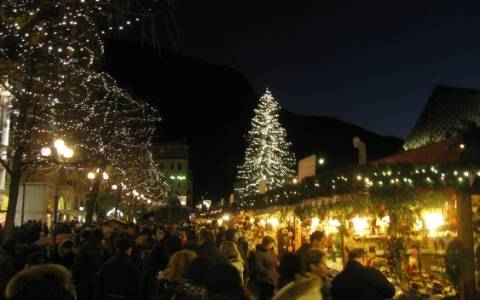 Χριστούγεννα στις ευρωπαϊκές υπαίθριες αγορές