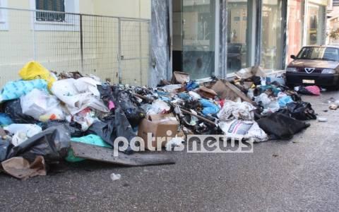 Οι εμπρηστές σκουπιδιών «ξαναχτύπησαν» στον Πύργο