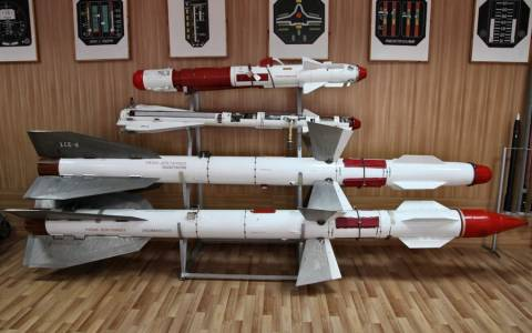 SIPRI: Αυξάνονται οι πωλήσεις ρωσικών όπλων