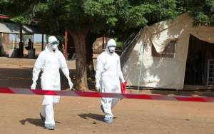 Έμπολα: 6.841 οι νεκροί σύμφωνα με τον νέο απολογισμό