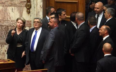 Στη Βουλή όλοι οι προφυλακισμένοι βουλευτές της Χρυσής Αυγής