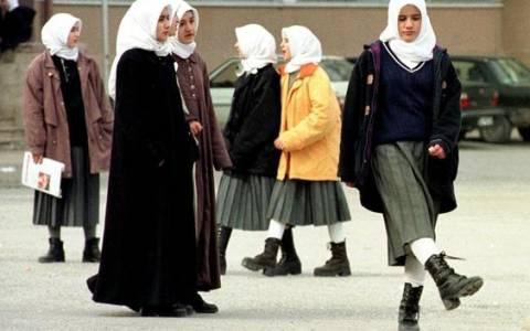 Τουρκία: Τα σχολεία της... μαντίλας (pics)