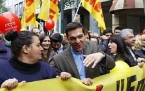 Financial Times: Σκοντάφτει στο πρώτο εμπόδιο η Αθήνα