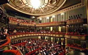 Πρόγραμμα παραστάσεων εορταστικής περιόδου στο Εθνικό Θέατρο