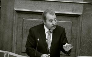 Πρόεδρος της Επιτροπής Αναθεώρησης Συντάγματος ο Τραγάκης