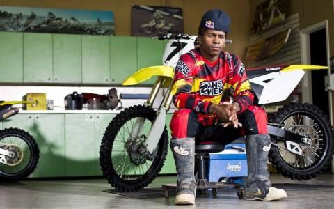 Motocross: Δεν σταματά τους αγώνες το 2015 ο J. Stewart