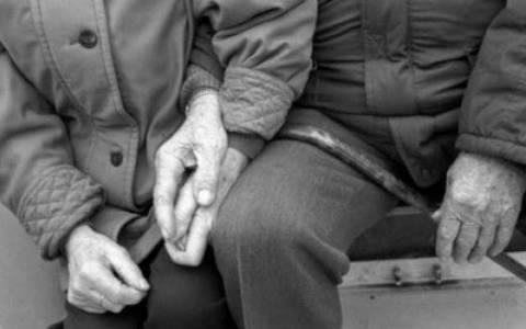 Συνελήφθησαν κουκουλοφόροι που λήστεψαν ηλικιωμένο ζευγάρι