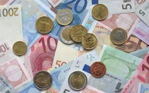 «Τσεκούρι» στις φοροαπαλλαγές ζητά η τρόικα