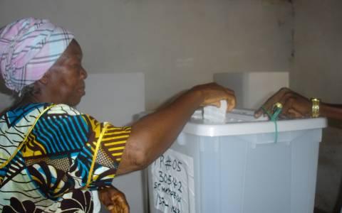 Λιβερία: Ο Έμπολα απέτρεψε την προσέλευση στις κάλπες