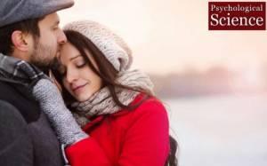 Η αγκαλιά προληπτικό μέτρο ενάντια στη… γρίπη!