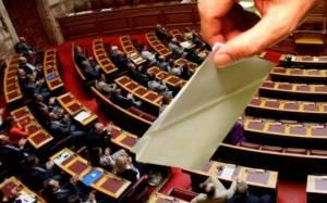 Δημοσκόπηση: Προβάδισμα του ΣΥΡΙΖΑ με 3,5%