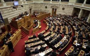 Βουλή: Ψηφίστηκε η δίμηνη παράταση του μνημονίου