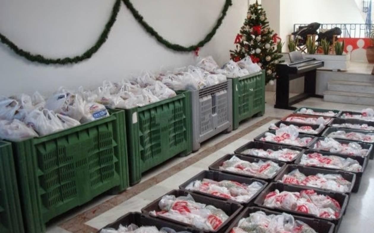 Δωρεάν διανομή τροφίμων & παιχνιδιών στις άπορες οικογένειες