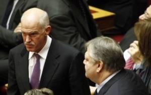 Συνάντηση Παπανδρέου – Βενιζέλου στη Βουλή