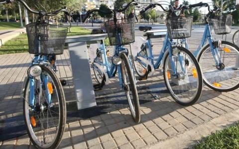 Ρόδος: Ορθοπεταλιές με κοινόχρηστα ποδήλατα