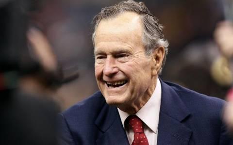 Στο νοσοκομείο εσπευσμένα ο Τζορτζ Μπους ο πρεσβύτερος