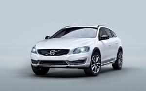 Volvo: Είναι εποχή για V60 Cross Country