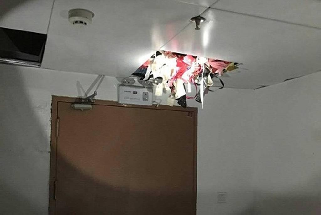 Κατέρρευσε η στέγη και αποκάλυψε τον κλέφτη... εσωρούχων