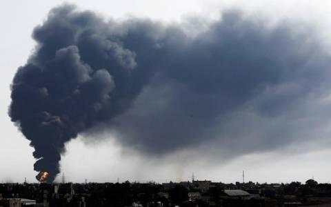 Λιβύη: Πύραυλος έπληξε δεξαμενή πετρελαίου