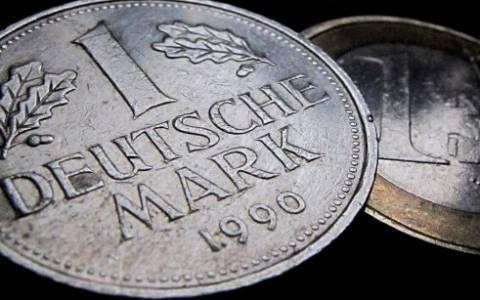 Bundesbank: 12,9 δισ. μάρκα στα συρτάρια των Γερμανών