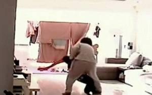 Κίνα: Νέα νταντά – τέρας κακοποιεί βάναυσα 5χρονο!