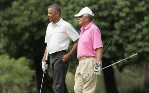 Μαλαισία: Η χώρα «πνίγεται» κι ο πρόεδρος παίζει γκολφ