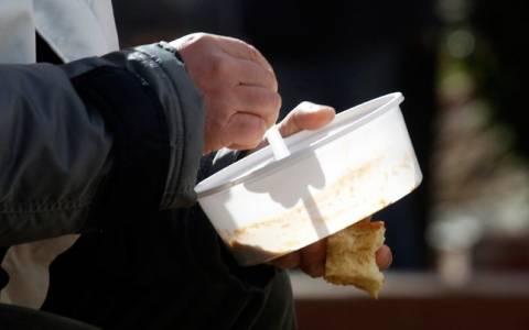 Διανομή τροφίμων από το Ίδρυμα Ελληνικής Συμπαράστασης