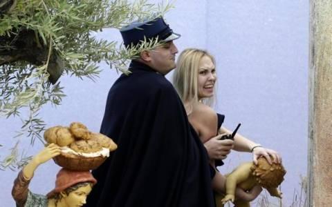 Βατικανό: Σοβαρές κατηγορίες στην γυμνόστηθη ακτιβίστρια
