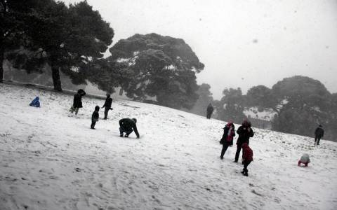 Καιρός: Πέφτει η θερμοκρασία  – Δείτε που θα χιονίσει