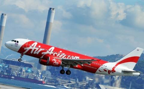 AirAsia: Ο πιλότος είχε ζητήσει να αποκλίνει από την πορεία