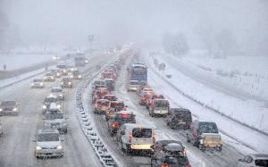 Άλπεις: Χιλιάδες εγκλωβισμένοι στο δρόμο και ένας νεκρός