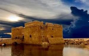 Γεμάτο προκλήσεις το 2015 για τον τουρισμό στη Κύπρο