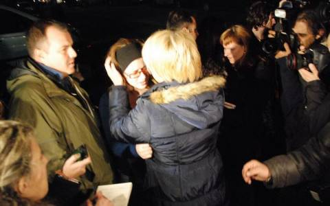 Norman Atlantic: Δάκρυα χαράς από τους συγγενείς των διασωθέντων