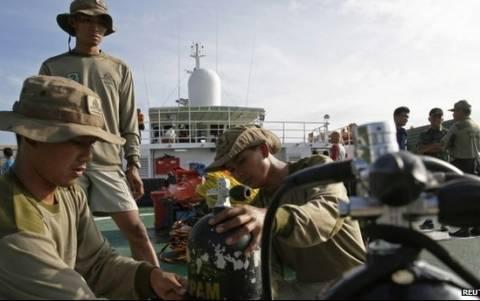 AirAsia: Μάχη ενάντια στο χρόνο και τον καιρό