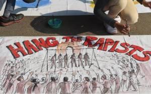 Ινδία: Δύο αστυνομικοί απήγαγαν και βίασαν έφηβη