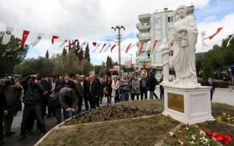 Ανακήρυξαν «Τούρκο» τον Ιπποκράτη και του έφτιαξαν άγαλμα!
