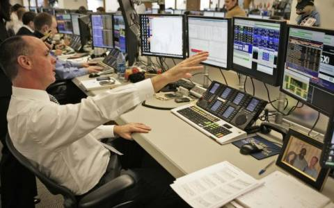Αγορά ιδίων μετοχών λίγο πριν αλλάξει η χρονιά