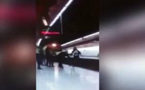 Σοκαριστικό video: Σκότωσε αστυνομικό πετώντας τον στις γραμμές!