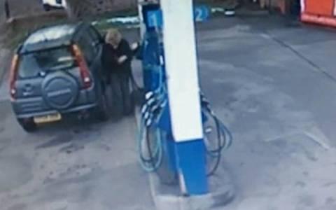 Επικό video: Έτσι βάζει βενζίνη μια γυναίκα οδηγός!