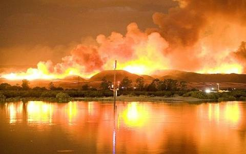 Μάχη με τις φλόγες στην Αυστραλία