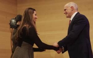 Γ. Παπανδρέου: «Πηγαδάκια» και φλας μετά το τέλος της εκδήλωσης