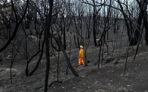 Αυστραλία: Ο καιρός δυσχεραίνει την κατάσβεση