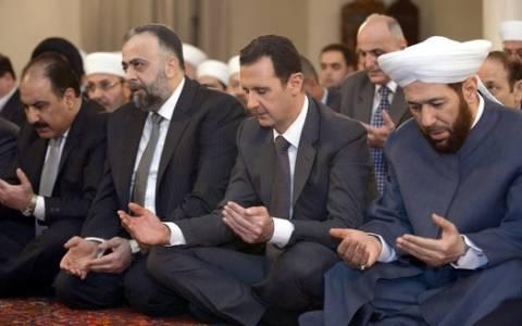 Συρία: Δημόσια εμφάνιση Άσαντ σε τέμενος της πρωτεύουσας
