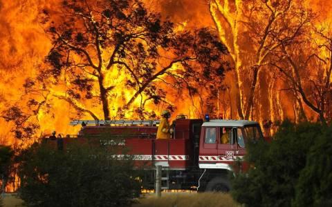 Αυστραλία: Οι πυροσβέστες δίνουν μάχη με τον χρόνο