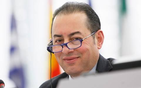 Ευρωπαίοι αξιωματούχοι: Να σταματήσει η κουβέντα περί Grexit