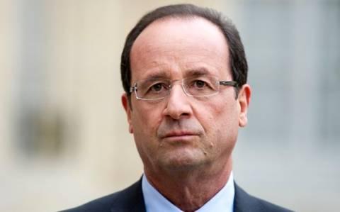 Ολάντ: Κρίση ταυτότητας αντιμετωπίζει η Γαλλία