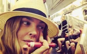 Μετρό: Το καλύτερο μέρος για να προσεγγίσεις μια γυναίκα;