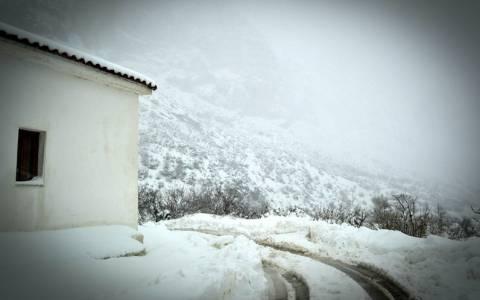 Κακοκαιρία: Αποκλεισμένα 31 χωριά στην Κρήτη