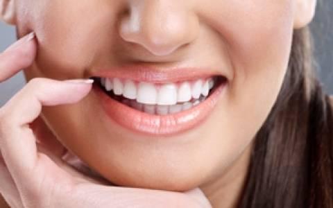 Μύθοι και αλήθειες για τα οδοντικά εμφυτεύματα