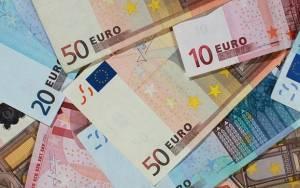 DW: «Η Ελλάδα δεν θα μπορέσει να πληρώσει το χρέος»